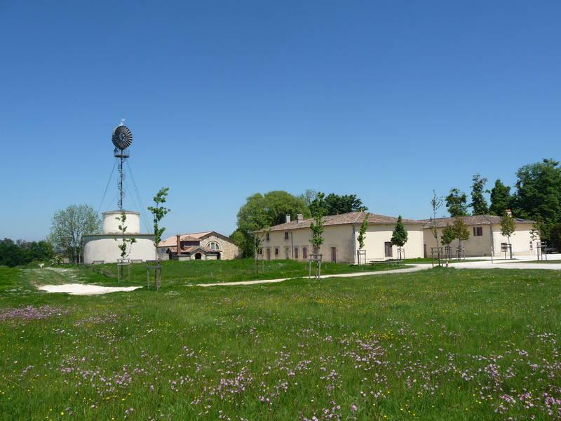 Domaine de beauval annuaire ville de bassens for Piscine de bassens