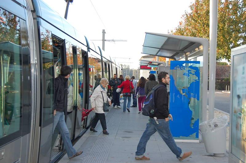 Transports d placements ville de bassens for Piscine de bassens